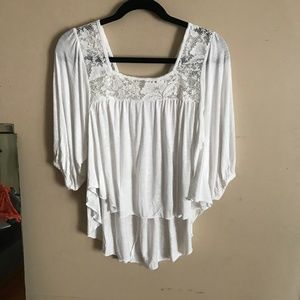 Paper + Tee | Size M. Lace High Low Peasant Shirt